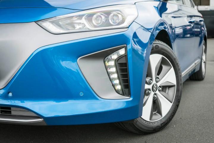 2016-Hyundai-Ioniq-188.jpg