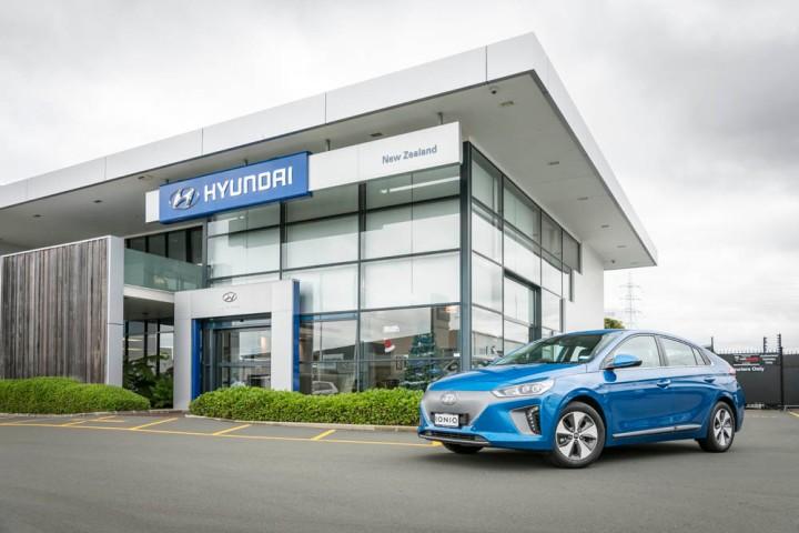 2016-Hyundai-Ioniq-196-Edit.jpg