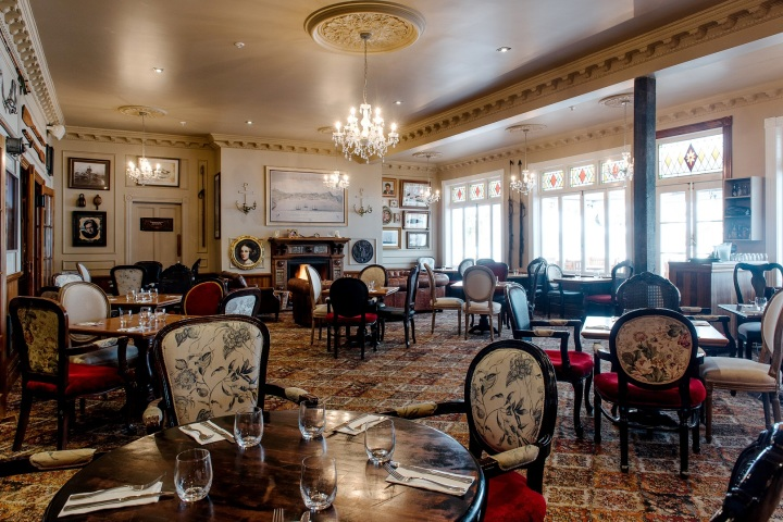 20170925_2-dining-room.jpg